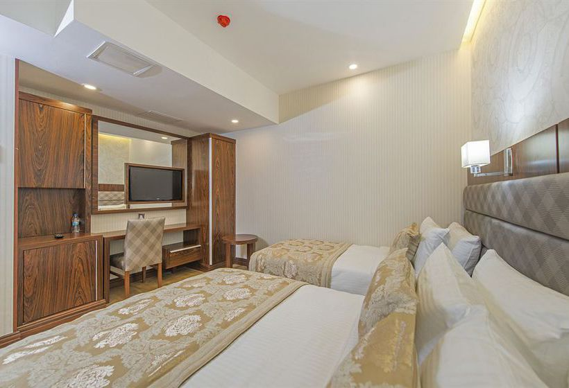 Hotel midmar deluxe in istanbul starting at 17 destinia for Midmar deluxe hotel