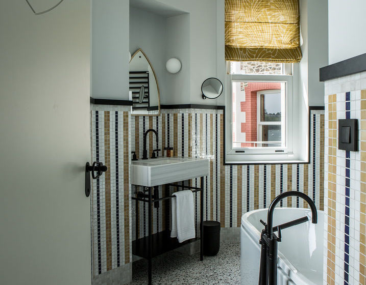 h tel castelbrac dinard partir de 99 destinia. Black Bedroom Furniture Sets. Home Design Ideas