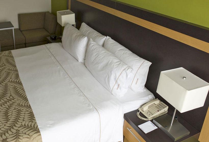 Hotel Holiday Inn Express Tuxpan In Tuxpan Ab 25 Destinia